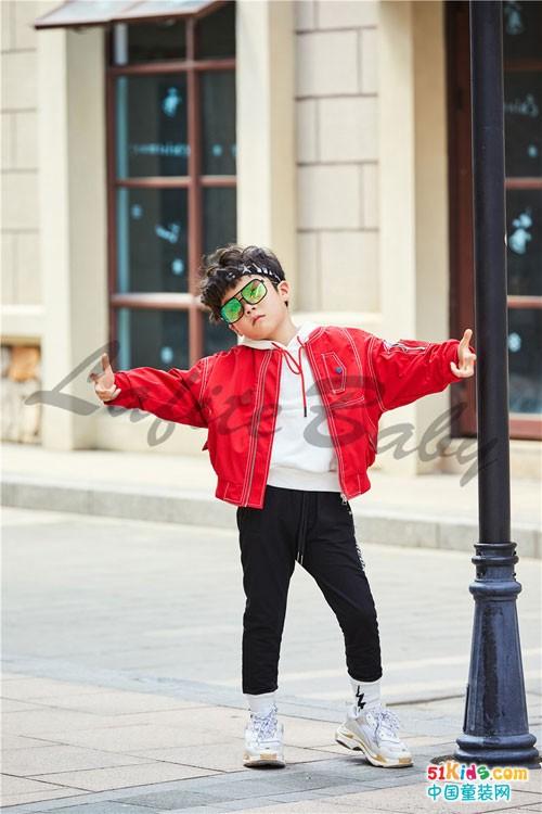 拉斐贝贝童装 延续一贯的潮流风格