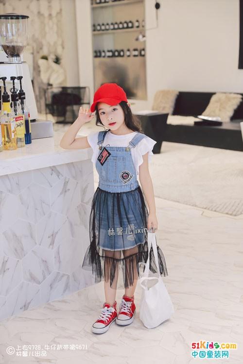 林馨儿童装:尽显甜美优雅风格