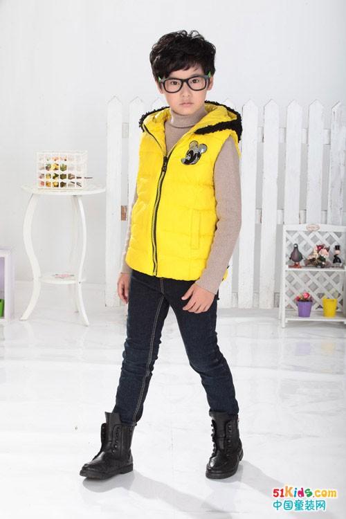 小神童童装 随性穿搭时尚有品质