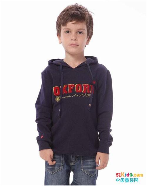 深秋给孩子来件卫衣吧!这个季节更加容易出彩