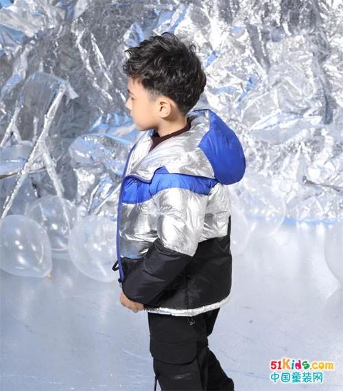 布衣草人丨小潮人属性100% ,金属感光泽外套