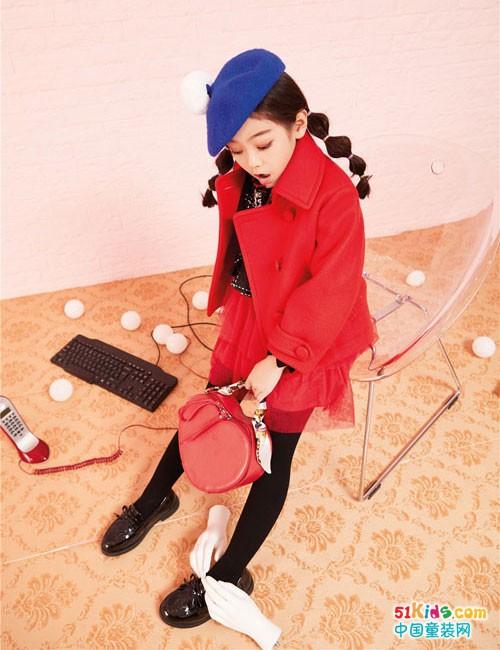 玛玛米雅童装2018秋冬新品 新年到,亮丽的红装穿起来