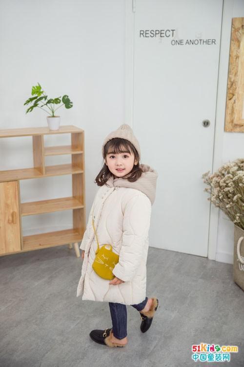 安米莉童装 总是一种自然亲切的印象