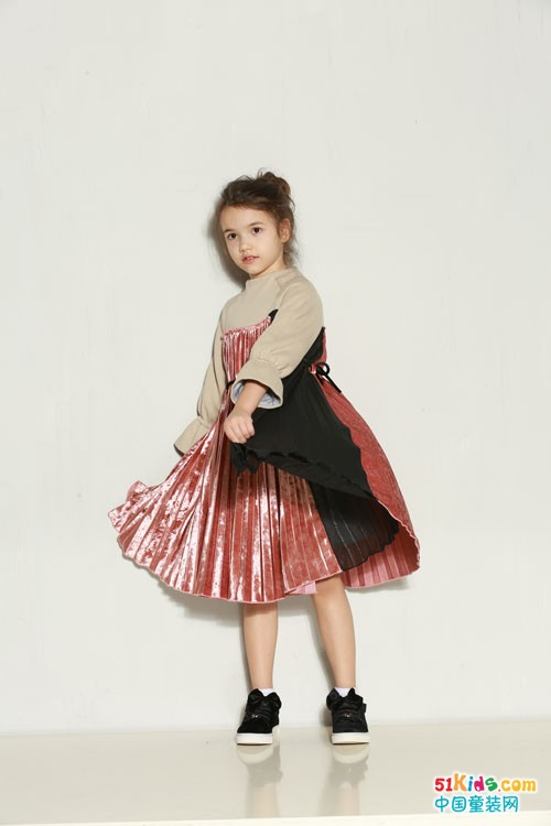 时尚小鱼童装 开学了,最新款式走一波