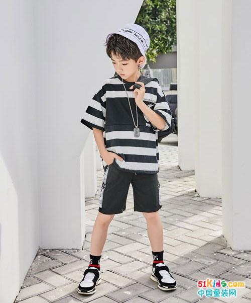 拉斐贝贝童装 变身摩登少年