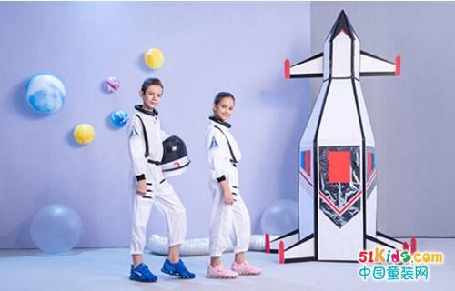 关爱孩子足脊健康的童鞋品牌——江博士健康鞋
