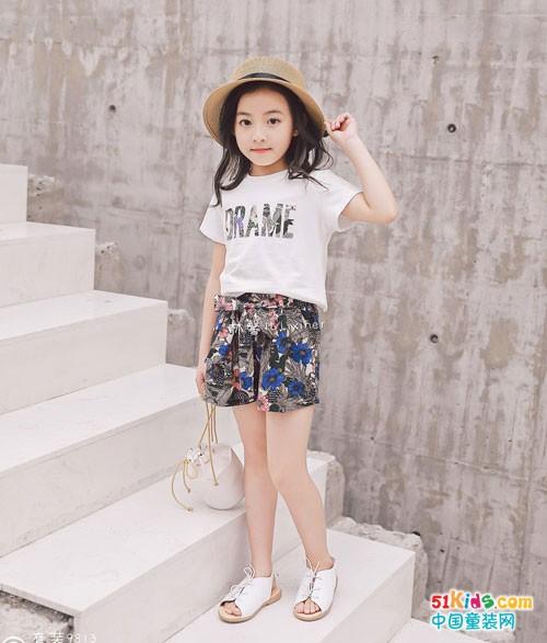 林馨儿童装 时尚与甜美是我的专属