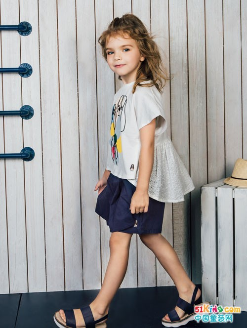 品质为先的暇步士童装 穿着就是舒适