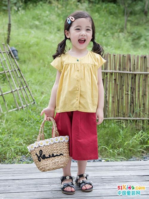 安米莉童装 越自然越快乐
