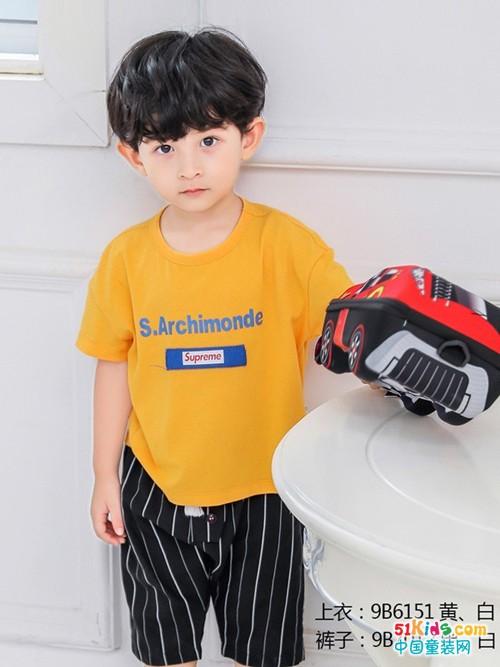 猫咪儿陪伴孩子快乐成长 提供时尚单品提升孩子自信心