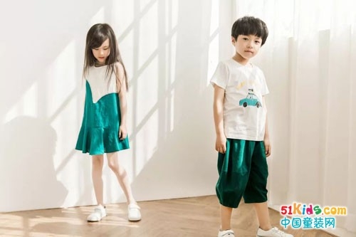 海贝童装 孩子们的夏日舞台
