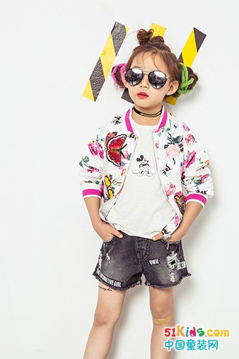集合时尚潮流款式 衣衣熊童装就是自信