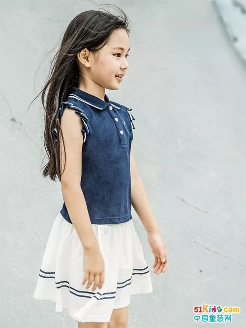 运动场的短裙与短裤,永远都有活力的童年