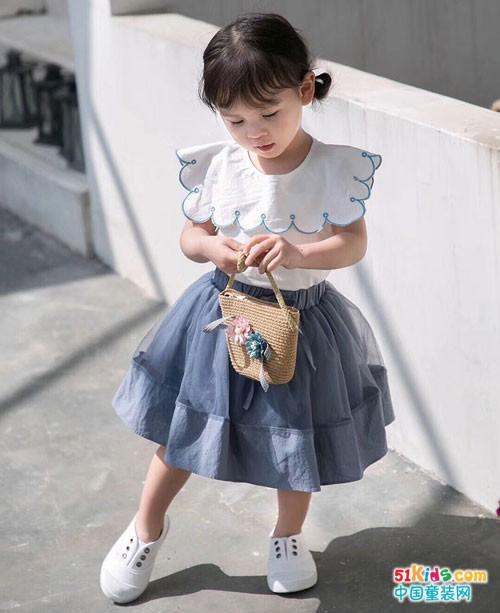 世纪童话童装 穿出童话一般的美好样子
