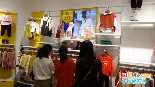 开童装店铺的创业者越来越多,原因何在?