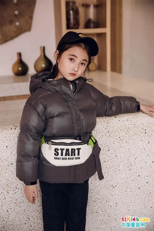 明星同款丨央视常驻小童星陈子妍演绎贝贝依依2019冬时尚