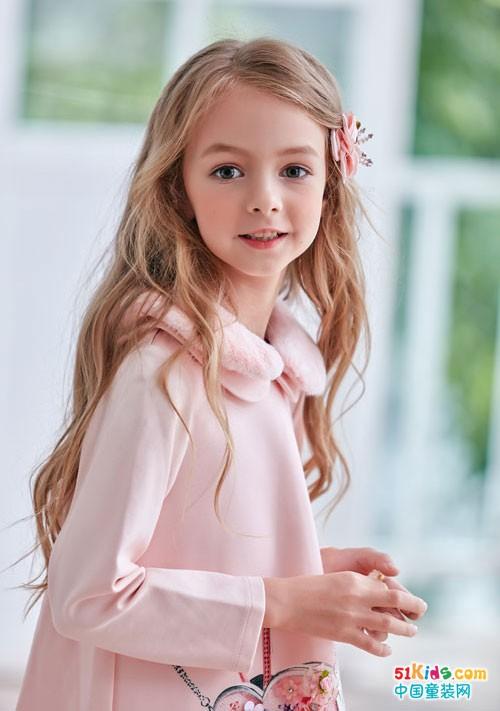 安娜与艾伦童装 装点童年的甜美和自信