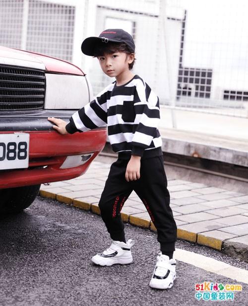 欧米源童装 穿出时尚快乐童年时光