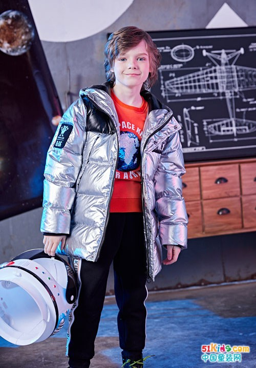 巴柯拉童装 男生的帅气从一件冬装开始