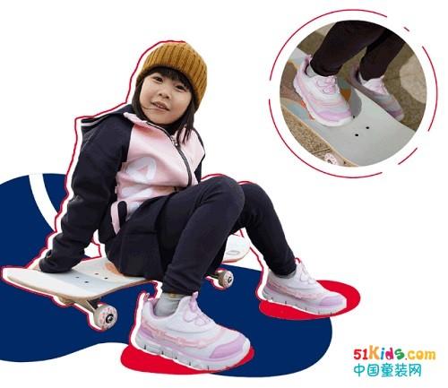 暖春型动,FILA KIDS系列鞋款陪宝贝活力不停歇