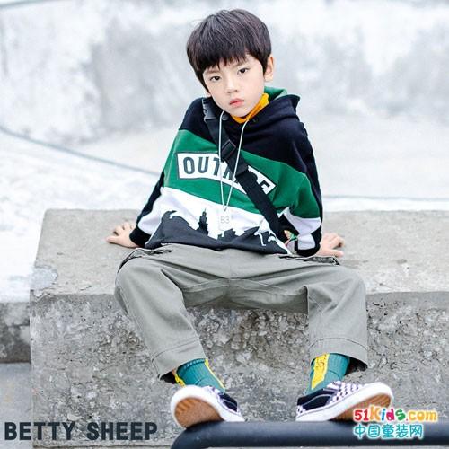 贝蒂小羊童装 穿上春天的俏皮活泼色彩
