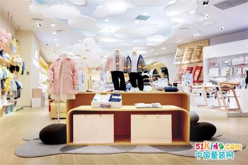YeeHoO英氏丨春暖花开日,我们相逢于崭新的门店中,守护成长