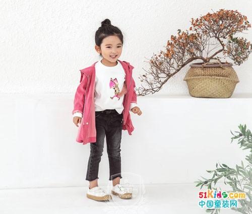 维尼叮当童装 穿出萌妹子的小可爱范