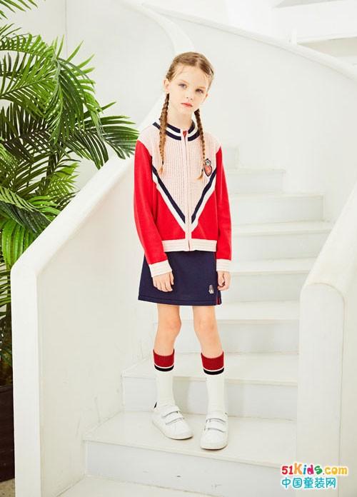 小朋友踏青怎么穿 就选暇步士2020春夏童装