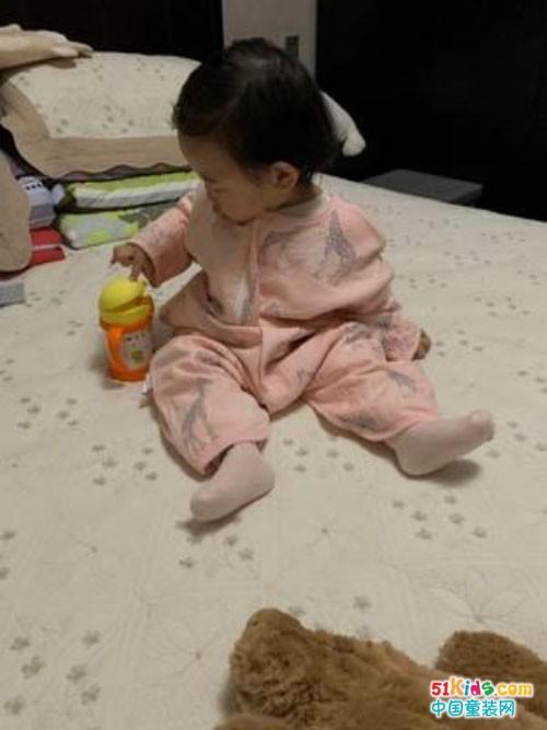 什么样的婴儿睡袋好?这样挑选不会出错