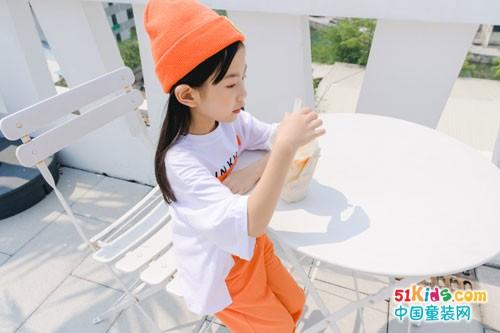 卡琪屋童装 用白色系演绎实用唯美功能