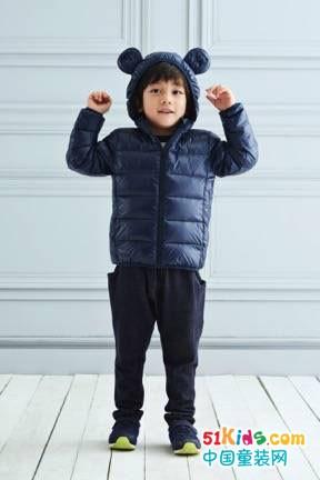 穿上這套時尚兒童服裝,就是個甜美小可愛!