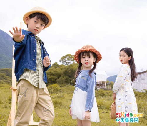 秋天儿童穿衣搭配,莳季童装穿出潮范
