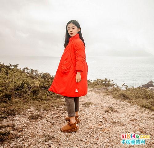 棉绘童装新品大衣,为这冬季装扮不一样的色彩