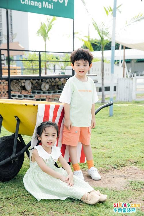 漂亮优雅的Kiss ABC,让孩子的穿搭更具活力