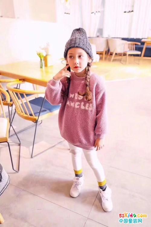 女童卫衣和帽子怎么搭配好看?看萌宝宝时髦女童穿搭