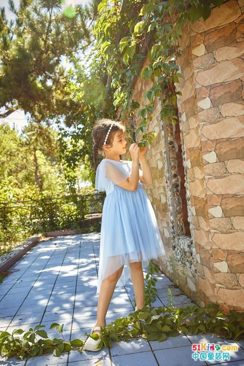 感受水孩儿的魅力,好看的裙子精致的装扮