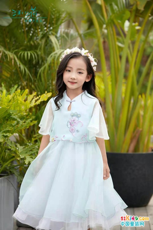汪小荷童装:怎样让孩子快速找到自己的穿搭风格?