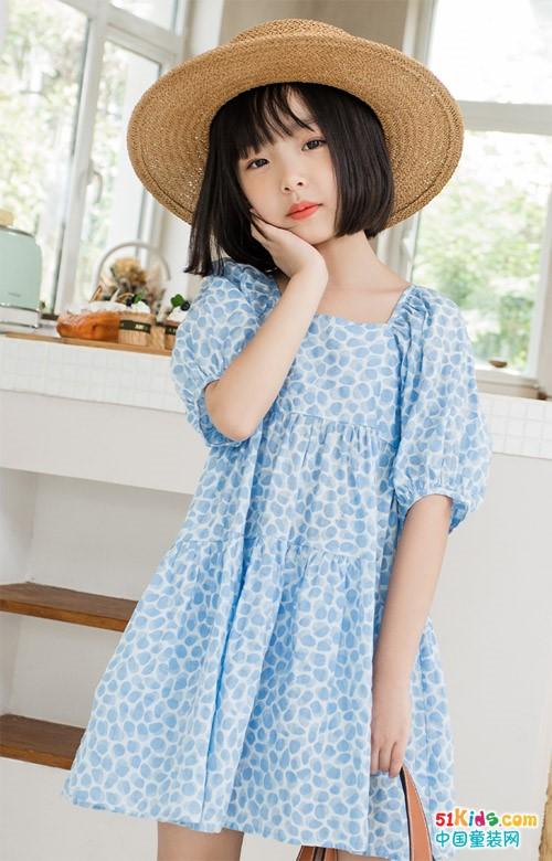 以夏天的名义穿上连衣裙 诠释女孩不一般的个性