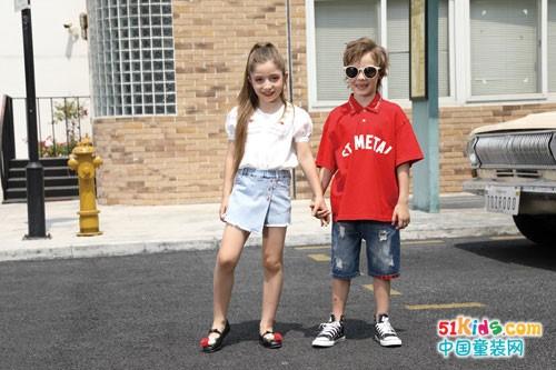 快乐精灵童装 和小朋友一起成为网红小明星