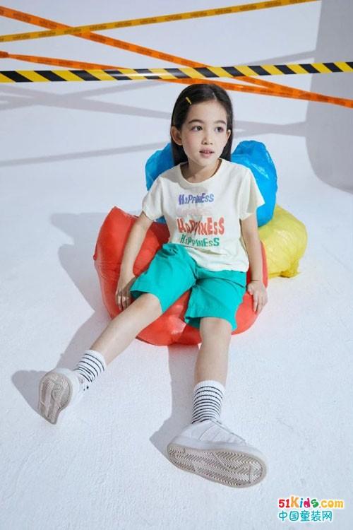 爱儿健童装,与时俱进,穿出活泼时尚风格