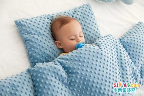 宝宝熟睡一整晚,新手妈妈带娃的秘密原来是它…