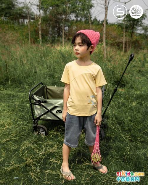 回归自然原始属性的童装穿搭,风格独树一帜