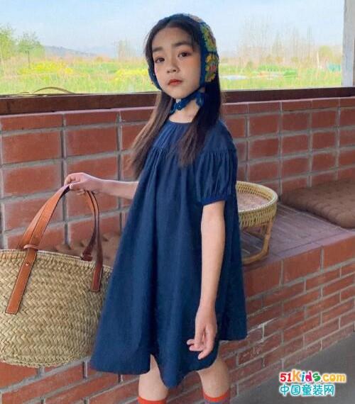灵性的阔版童裙,穿出别样的高级感