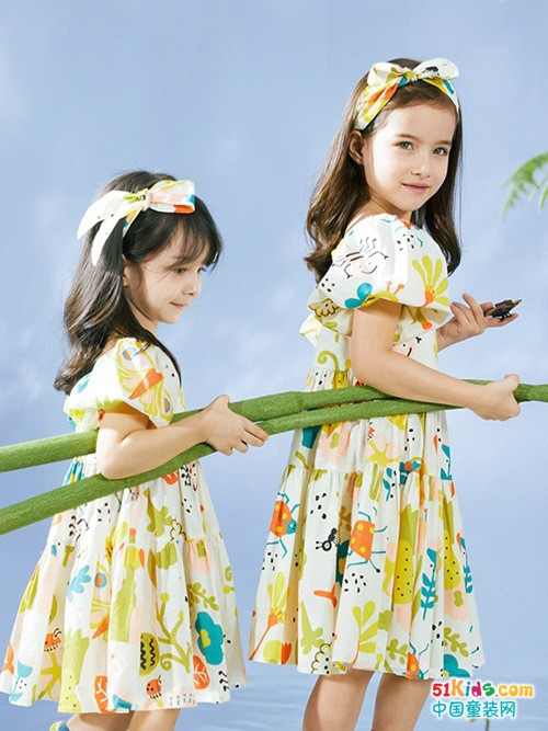 夏季连衣裙什么颜色好看,选择经典的三原色