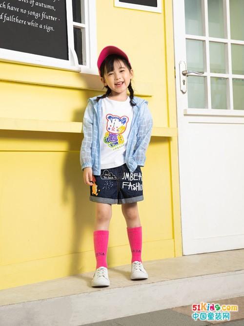 2021年最圈粉的小女孩搭配什么样?牛仔短裤怎么搭更漂亮?
