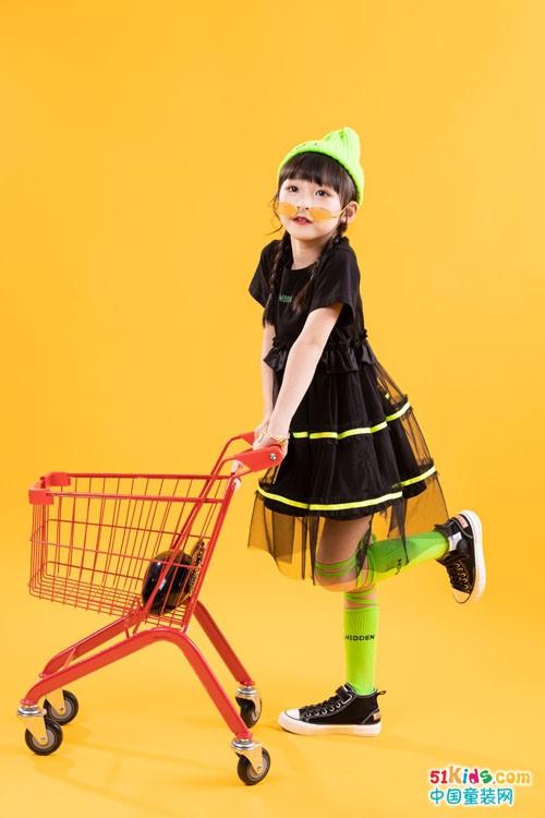 黑裙子怎么穿更有气质?女孩能轻松驾驭的裙子有哪些?