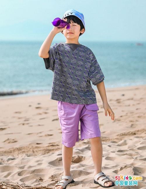 男孩如何穿出绅士范儿?纯棉材质和休闲设计怎么搭更有潮流感?