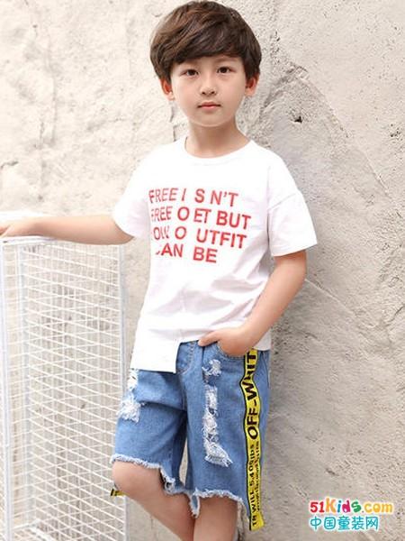 如何把T恤衫穿出特色?条纹T恤衫和白T哪个更潮?