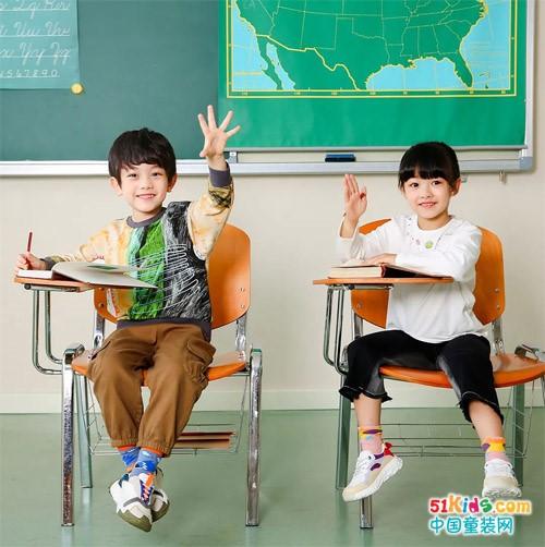 這季小朋友的校園趣味套裝,拉滿活力的能量條!