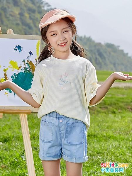 小圆领和荷叶领哪个更经典?古典气质的女孩适合哪些夏日装扮?